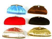 Satin Evening Bag. 822r.