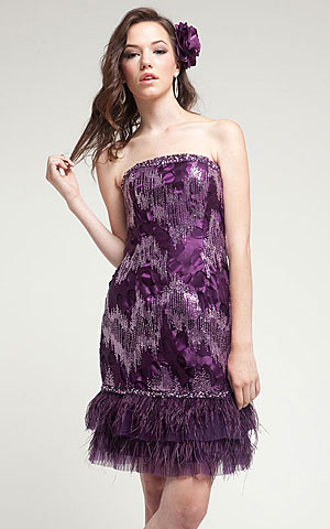 Strapless Short Cocktail Cocktail Dress with Feather Trim.. a211.